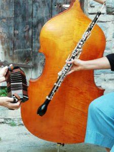 contrebasse, clarinette et accordéon